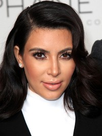 Kim Kardashian Long Wavy Capless Synthetic Wigs With Side Bangs 18 Inches
